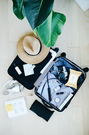 Travel Tips: Pack Lightly, Wash Clothes on Travel